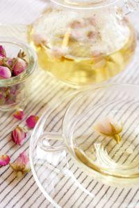 Damask rose tea