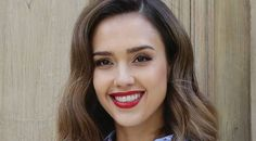 The Genius Mascara Trick We Learned from Jessica Alba
