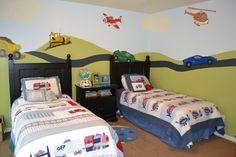 Slaapkamer idee voor jongen; Planes combineren met... Cars? Chuggington? ...?