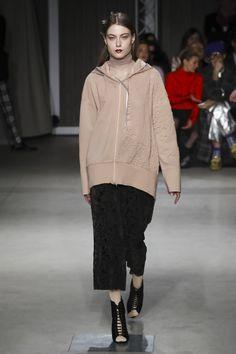 Alberto Zambelli Ready To Wear Collection Fall Winter 2017 Fashion Show in Milan