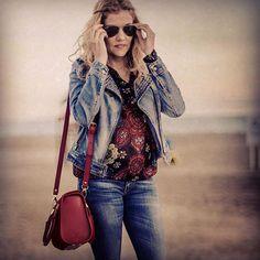 Rachel- mini bowling style in red color. Buy it on my website: http://www.virtucugat.com/en/bolsos/rachel-mini-bowling #VirtuCugat #bag #ootd #fashion #luxury #luxurybag #luxurylife #España #limitededition #trending #design #trendybags #trendy #womenbags #redbag