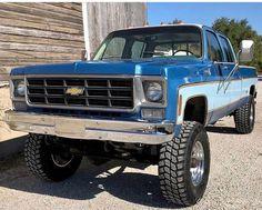 Tricks for Old Trucks Restoration - Vintage Blue Chevy Truck Source link Vintage Chevy Trucks, Chevy Diesel Trucks, Chevy Pickup Trucks, Lifted Chevy Trucks, Classic Chevy Trucks, Chevy Pickups, Chevrolet Trucks, Ford Trucks, Ford Diesel