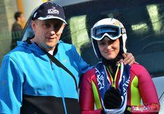 Córka rajdowca zwyciężczynią inauguracji zawodów w skokach narciarskich. http://kontakt24.tvn24.pl/najnowsze/corka-rajdowca-zwyciezczynia-inauguracji-zawodow-w-skokach-narciarskich,155651.html