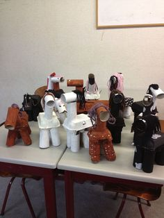 Het paard van Sinterklaas Art For Kids, Crafts For Kids, Arts And Crafts, Toy Horse Stable, Summer Crafts, Toddler Activities, Handmade Crafts, Pony, December