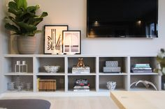 Frågor och svar - Josefine Gunhamre Condo Living, Small Living Rooms, Home Living Room, Living Room Decor, Home Interior Design, Interior And Exterior, Fashion Room, Home Decor Styles, Interior Inspiration