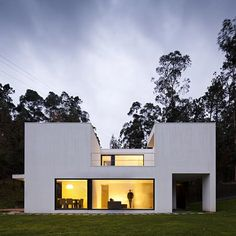 Private House is a minimal home designed by Rui Grazina.