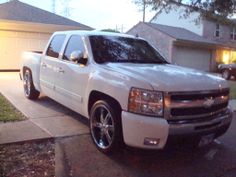 Chevy Silverado Crew Cab  Want:) dropped and rimmed