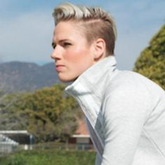 sophie schmidt - Google Search Sophie Schmidt, Hair Inspiration, Beautiful People, Short Hair Styles, Football, Google Search, Clothes, Women, Pretty People