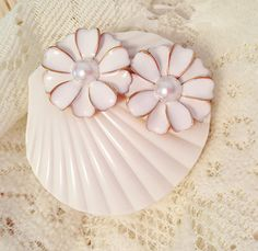 White Color Contact Lenses Box Travel Case by AlonmyCrystalCrafts