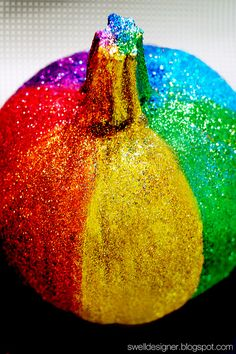 30 Insanely Creative Kid-Friendly No-Carve Pumpkins Rainbow Glitter Pumpkin Get your pumpkins to glow without worrying about the flames by creating bright glitter pumpkins. Fete Halloween, Halloween Pumpkins, Halloween Crafts, Halloween Ideas, Halloween 2013, Happy Halloween, Halloween Face, Diy Pumpkin, Pumpkin Crafts