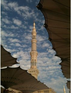 Minaret of Masjid Nabawi, Madina Islamic Architecture, Beautiful Architecture, Architecture Design, Saudi Arabia Culture, Mecca Madinah, Wonderful Places, Beautiful Places, Hajj Pilgrimage, Masjid Al Haram