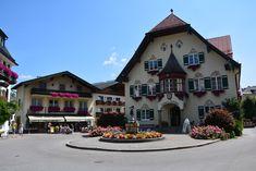 Gilgen - csodás kisváros a Wolfgangsee partján – Világutazó Homeland, Holidays And Events, Austria, Places Ive Been, Mansions, House Styles, Travelling, Google, Manor Houses