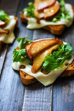Balsamic-glazed pears, Swiss Cheese, Arugula on Gluten Free Rye toast! A healthy gluten free lunch, appetizer, or post workout snack. Get the recipe here!