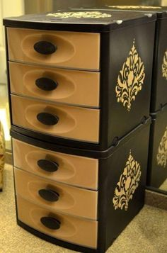 I never thought about painting bins like this.  Storage idea.