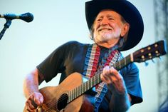 Willie Celebrates Pot With a New Song