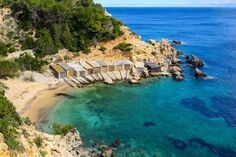 The best beaches in Ibiza, from quiet beaches to the best party beaches. The White Isle has an extraordinary number of sensational beaches, from wild-and-free bays to perfect little white-sand coves Ibiza Travel, Spain Travel, Gaudi, Wonderful Places, Beautiful Places, Amazing Places, Madrid, Ibiza Beach, Balearic Islands