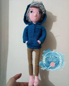 Jack Frost, todavía faltan algunos detalles ❄️💞 , mide 37cms aprox. Patró Jack Frost, Crochet Hats, Instagram, Fashion, Handmade, Knitting Hats, Moda, Fashion Styles, Fashion Illustrations