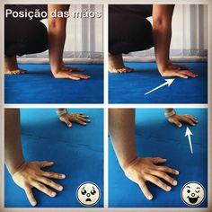 Se tem dificuldades em se equilibrar nas posições musculares, já experimentou reposicionar as suas mãos desta forma? Pode ser um bom truque para distribuir o seu peso e ajudar a suportá-lo solicitando a força do antebraço através da flexão dos dedos das mãos. Muscular, Finger, Tips