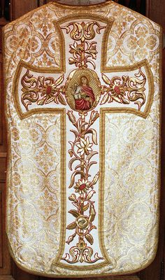 NEG021-27  Chasuble  Dutch  Attributed to M. Kluijtmans, 's-Hertogenbosch  Date: c. 1870-1890