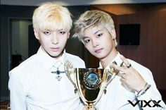 (VIXX) Daily ‏@VIXXDaily Fancafe update:  N & Leo