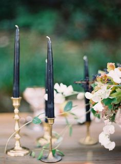 Black and gold table details