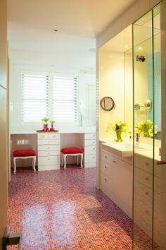 Children's bathroom featuring hot pink mosaics from Bisazza.