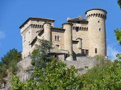 château de Cabrières.Emma Calvé, cantatrice de la Belle Epoque, avait fait de son château de Cabrières qu'elle avait acquis pour se ressourcer dans son pays, une sorte de sanatorium pour les enfants pauvres de Millau. Midi-Pyrénées