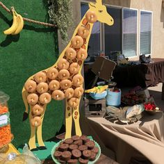Razan K's Birthday / Jungle Safari - Photo Gallery at Catch My Party Safari Theme Birthday, Boys First Birthday Party Ideas, Giraffe Birthday, Jungle Theme Parties, Lion King Birthday, Wild One Birthday Party, Safari Birthday Party, 1st Boy Birthday, Boy Birthday Parties