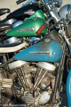 Old Classic Harley-Davidson Motorcycles Harley Davidson Engines, Harley Davidson Panhead, Harley Bobber, Classic Harley Davidson, Bobber Motorcycle, Vintage Harley Davidson, Harley Bikes, Motorcycle Types, Motorcycle Engine