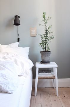 24 Unique Bedroom Decorations and Accessories that will Make the Bedroom Your Favorite Space - The Trending House My New Room, My Room, Urban Deco, Ideas Hogar, Minimalist Bedroom, Dream Bedroom, Home Interior, Interiores Design, Hygge