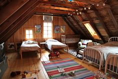 nice layout, like the beams with hanging lights