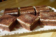 Nepečená pochúťka z Be Be keksov s pudingom a smotanovým krémom. Chocolate Cake, Tiramisu, Cheesecake, Food And Drink, Sweet, Ethnic Recipes, Desserts, Amazing, Chicolate Cake