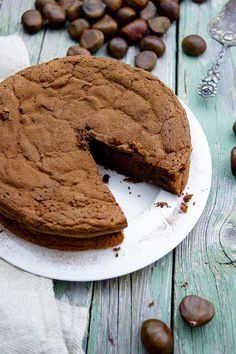 A super easy chocolate chestnut cake recipe. Moist, very sweet and fluffy. Flourless and super delicious, all that's needed is a few simple ingredients. Chestnut Cake Recipe, Baking Recipes, Cake Recipes, Big Chocolate, Austrian Recipes, Gluten Free Cakes, Something Sweet, No Bake Desserts, Cake Cookies