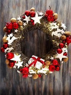 stroik świąteczny Christmas Wreaths, Xmas, Holiday Decor, Home Decor, Decoration Home, Room Decor, Christmas, Navidad, Noel