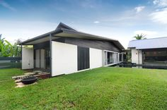 Modern Australian House with Some Dark Wood Accents: Dune House Exterior Design Combining Pale Color Scheme Painting With Accent Black Wood . Modern Exterior, Exterior Design, Amazing Architecture, Interior Architecture, External Front Doors, Timber Cladding, Australian Homes, The Dunes, Pool Houses