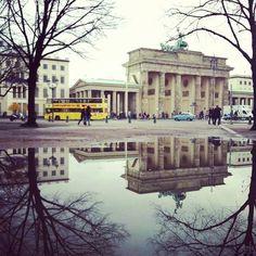 © Caterina Gili  LUOGO: Porta di Brandeburgo.  Perché: Il simbolo di una città eternamente unita e divisa  Luogo: Porta di Brandeburgo  Perché: Il simbolo di una città eternamente unita e divisa
