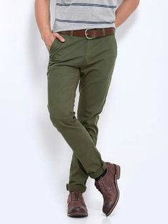 Green chinos, gray shirt, and dark brown shoes Green Chinos Men, Green Khaki Pants, Olive Chinos, Men's Chinos, Khakis, Chinos Men Outfit, Blazer, Formal Pants, Men Trousers
