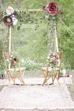Enchanted Forest Marsala Wedding Inspiration. Planning & Styling: Vanilla Rose Weddings, Oxfordshire. Floral Design: Green & Gorgeous Flowers. Vintage Hire: The Little Lending Co. Cake: Little Cow Creative Cakes. Photography: Plenty to Declare Photography