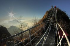 This metal footpath helps to ascend the rocky summit of Trzy Korony. #Pieniny #Poland www.simplycarpathians.com