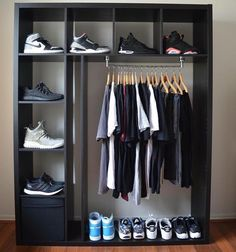 Feb 23 2020 - Beginners guide to sneakers storage sneakerhead room The Ultimate Guide To Sneakers & Sneaker Br. Bedroom Setup, Bedroom Decor, Mens Room Decor, Bedroom Ideas, Hypebeast Room, Shoe Room, Home Room Design, Closet Designs, House Rooms