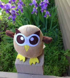 """""""Look! I can fly!"""" (Don't get too excited, Owly) Day 141 of #yearofowly #lifeofowly"""