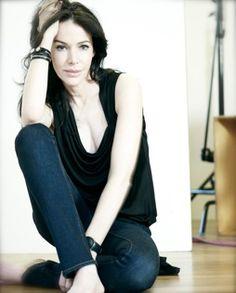 Rae Morris - award winning make up artist