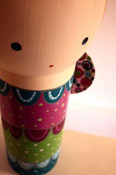 Angel - Přiletěl k nám anděl Dřevěná, ručně malovaná socha anděla, vysoká 43cm, (50 cm i se svatozáří). K umístění v interiéru, lakovaná. Tento anděl vznikl ve spolupráci s východočeským řezbářem Michalem Markem. Socha, Smell Good, Vivid Colors, Planter Pots, Author, Wood, Handmade, Home Decor, Hand Made