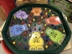 Eyfs Activities, Nursery Activities, Activities For Kids, Tuff Tray Ideas Toddlers, Sorting Colors, People Who Help Us, Green Colors, Colours, Tuff Spot