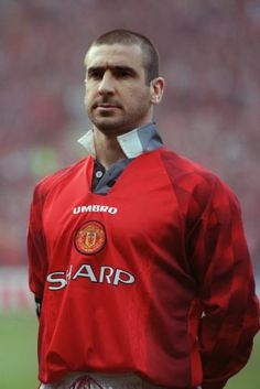 Éric Daniel Pierre Cantona (born 24 May i he won four Premier League titles in five years and two League and FA Cup Doubles with United Eric Cantona, Manchester United Legends, Manchester United Football, Leeds United, British Football, Sport Football, Football Shirts, Premier League, Fifa
