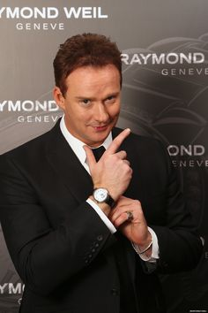 2012 Classic Brit Awards - Russell Watson with his RAYMOND WEIL watch. Russel Watson, Raymond Weil, Classic, Awards, Events, Watch, Fashion, Derby, Moda