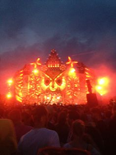 festivals worden steeds populairder en aantrekkelijker ten opzichte van discotheeks