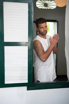 If you think you've listened to fast latin rhythm already? try Ricky Martin - La Mordidita (Official Video) and try to keep up! <3