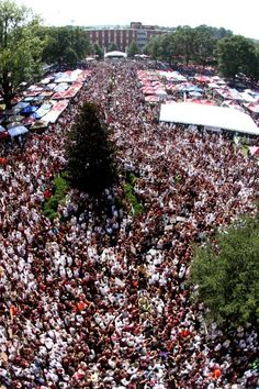 The crowd in today! Game Day is here and so are Dawg fans for a great win against Auburn Mississippi State Bulldogs, Southern Comfort, College Life, Historical Sites, Arkansas, This Is Us, Dolores Park, Places To Visit, State University