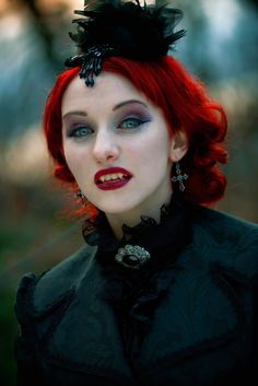 """""""Vampire"""" - her right to keep her own look in style ~:^)> Vampire Love, Vampire Girls, Vampire Art, Vampire Eyes, Cosplay Costume, Costume Makeup, Dark Beauty, Gothic Beauty, Dracula"""
